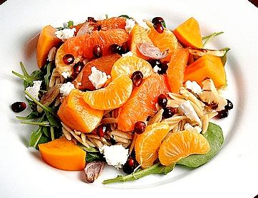 салат десертный из фруктов