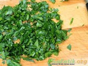 подготавливаем петрушку к сибирскому салату