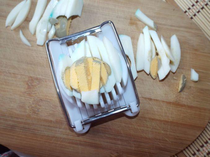 Яйца резанные