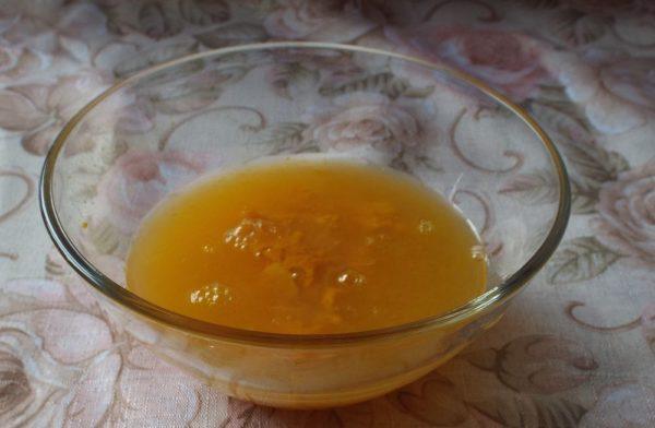 Апельсиновый сок и цедра
