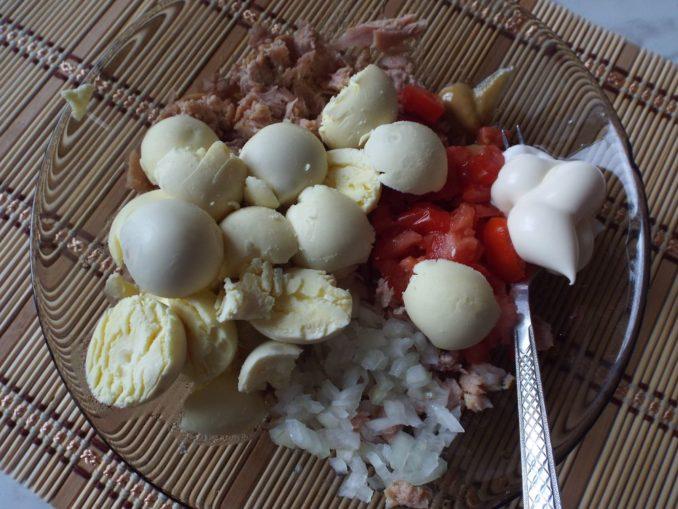 Яйца фаршированные на завтрак