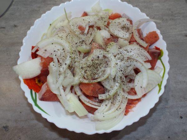Пирог с красной рыбой и зеленой фасолью