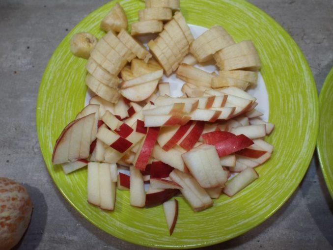 Сметанное желе с фруктами
