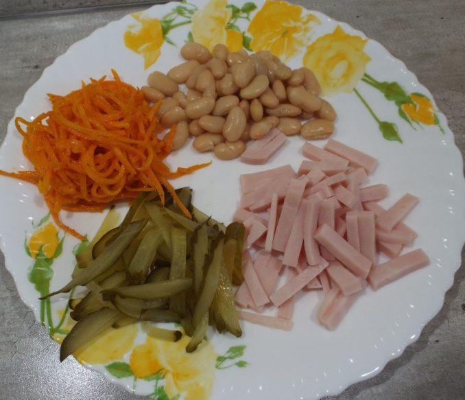 Салат с ветчиной и корейской морковью